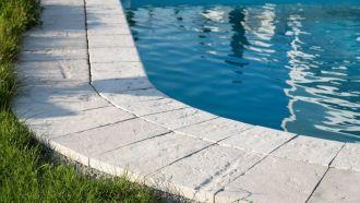 Semmelrock Bradstone Old Town bazénový lem SEMMELROCK STEIN + DESIGN