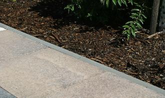 Semmelrock zahradní obrubník 100cm , výška 25 cm